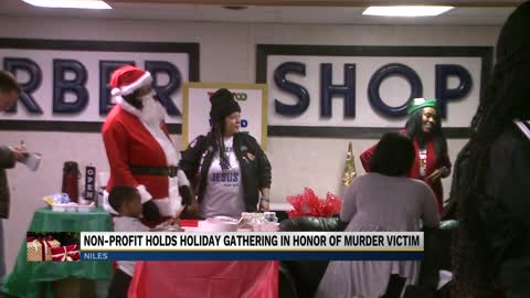 A Day with Santa in Niles honors shooting victim