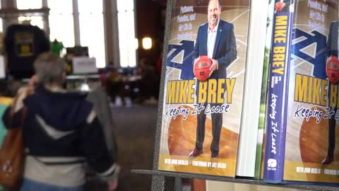 Coach Mike Brey writes autobiography about his life as a player and coach