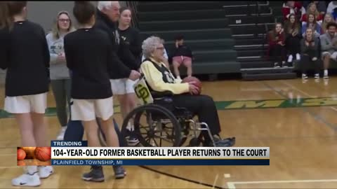 Michigan basketball player returns to the court 90 years later