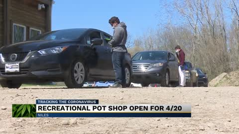 Michigan marijuana shops still seeing long lines for 4/20 3