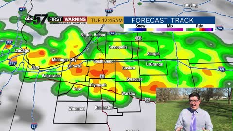 Warm start to the week, heavy rain possible Monday night