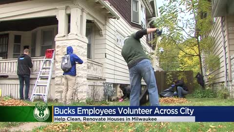 Milwaukee Bucks' staff helps rake and fix up homes as part of 'Volun-deer Day'