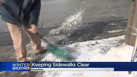 Milwaukee officials warn residents to shovel their sidewalks or face fines