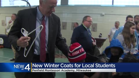 'Warm Up Winter' campaign provides 800 Milwaukee kids with new coats