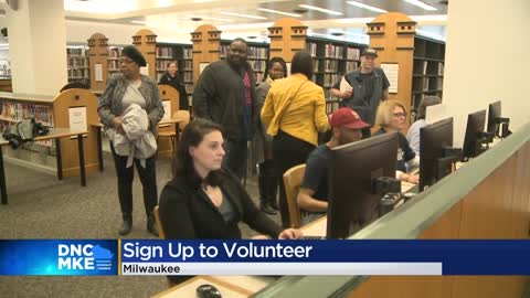 DNC opens up volunteer enrollment for convention in Milwaukee