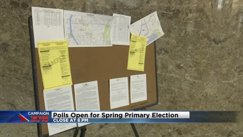 Milwaukee voters head to polls despite rainy weather