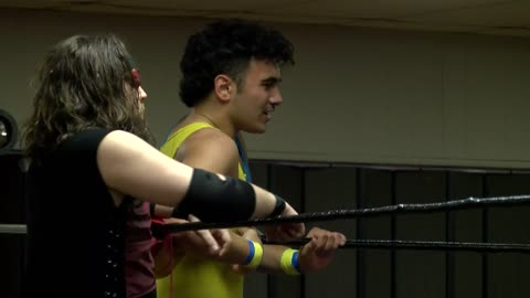 'I love watching him:' 17-year-old Cedarburg pro wrestler making a name for himself