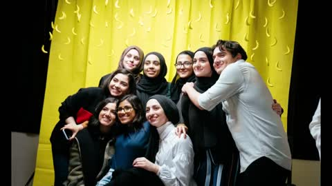 Milwaukee's female Muslim artists band together to find larger...