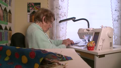 92-year-old Catherine Moran sews quarantine quilt to remember...
